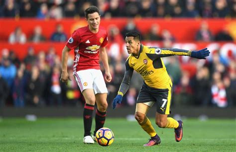 alexis sanchez herrera marcus rashford reacts as alexis sanchez skins ander