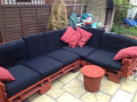 couch tun 13 diy sofas made from pallet 99 pallets