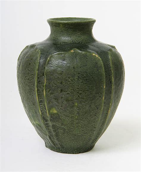 Grueby Vase chasenantiques american pottery grueby