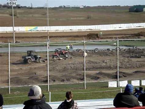 Polaris Rzr Vs Kawasaki Teryx by Polaris Rzr Vs Kawasaki Teryx Race