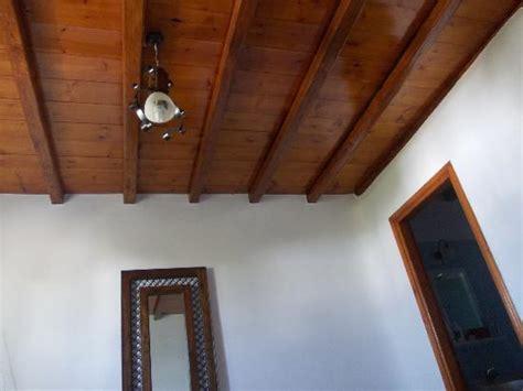 lade per controsoffitto soffitto in legno foto di daktilidis kalafatis