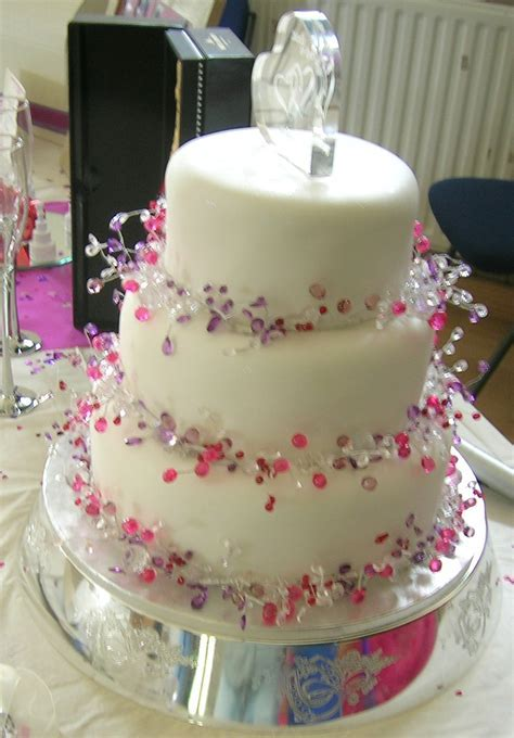 Easy Wedding Cake Decorating Ideas   Wedding Ideas