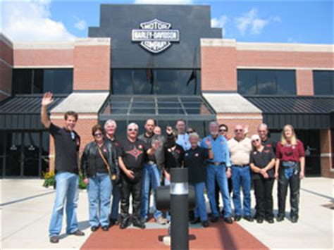 Harley Davidson Factory Tour Milwaukee by Route 66 Motorcycle Tours Harley Davidson Reuthers