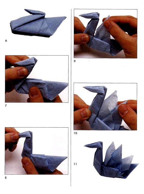 Origami Napkin Swan - swan from napkins scheme