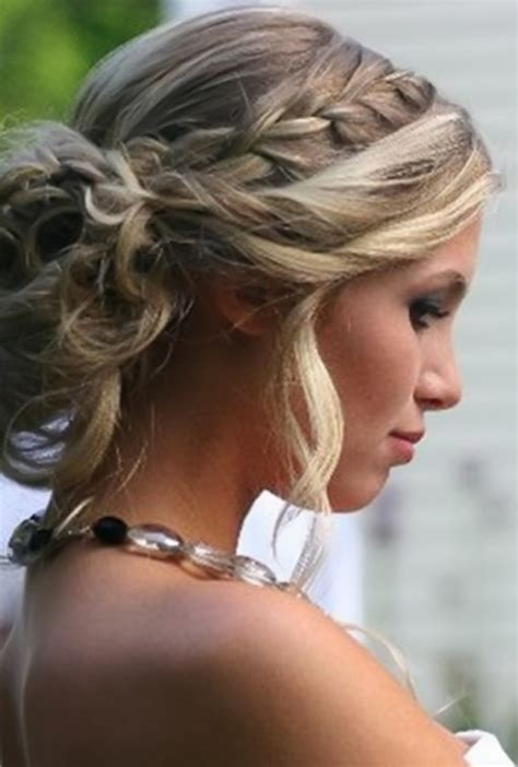 what are considered smart hair styles for older women with shoulder lenth hair awesome prom hairstyles updos long hair