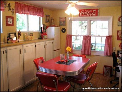 Coca Cola Themed Kitchen by 25 Best Ideas About 50s Kitchen On 50s Diner