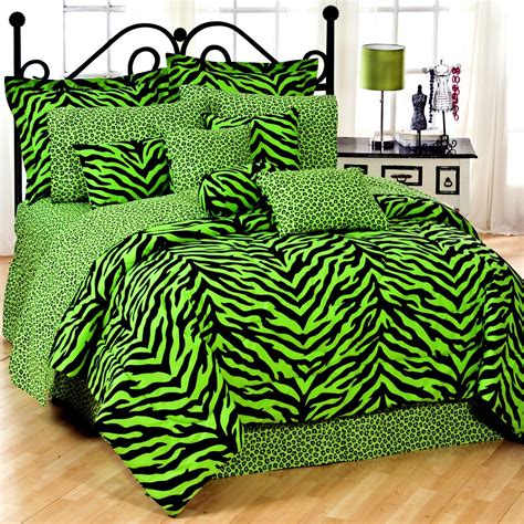 Set As Greeny cheerful green comforters