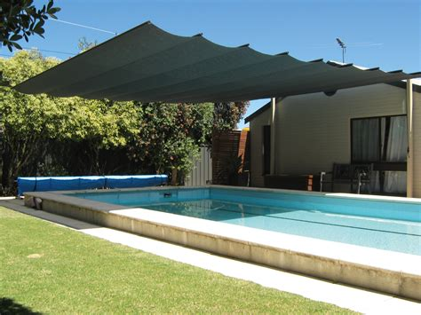 Retractable Outdoor Shade Cool Your Outdoor Entertaining Area With A Retractable