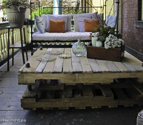 great ideas painted projects 1 pallet furniture 15 pallet coffee tables that look way too good to be diy