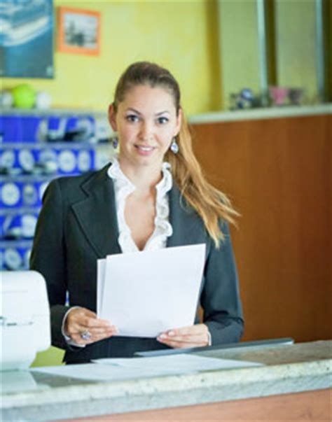receptionist salary