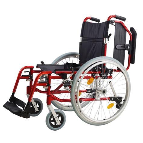 fabbriche di sedie sale sedia a rotelle pieghevole leggera multiuso