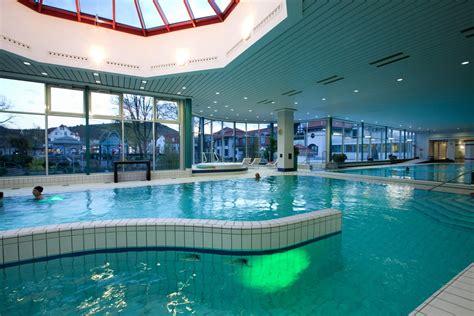 schwimmbad mit überdachung unser schwimmbad quellen therme reinhardshausen