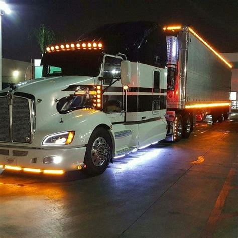 kenworth light duty trucks kenworth t660 with matchin reefer light badassbeard