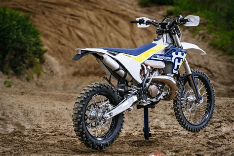 Review: 2017 Husqvarna TE 250 and TE 300   Bike Review