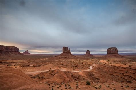 Monument Valley   TOP TRAVEL SPOT