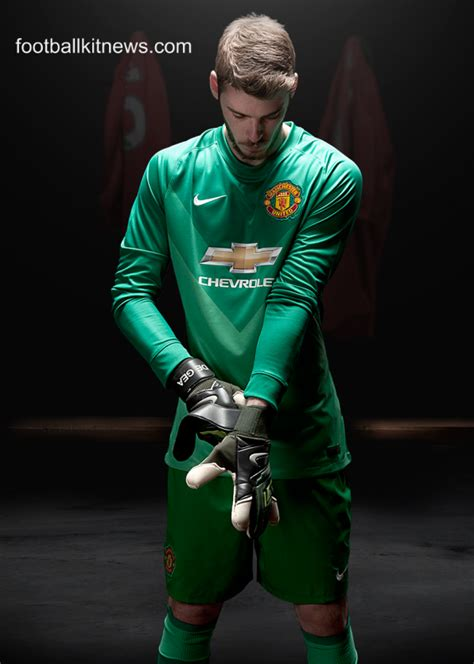 Jersey Mu Gk Hijau Stabilo new manchester united kit 14 15 nike utd home jersey 2014 2015 football kit news new