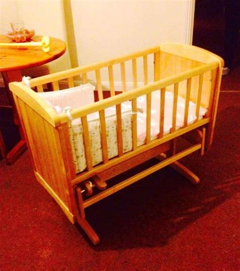 Baby Swinging Cribs Mothercare Deluxe Swinging Crib Shanklin Wightbay