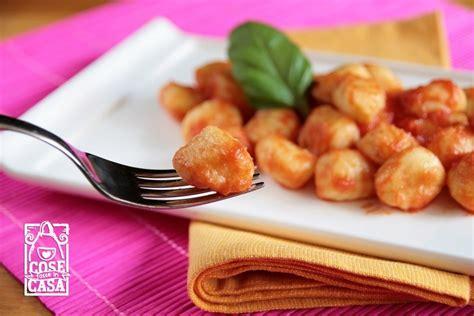 gnocchi fatti in casa gnocchi di patate fatti in casa cosefatteincasa it