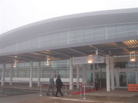Garage Builders Duluth Mn by Duluth Airport Opens Parking Garage Skyway Minnesota