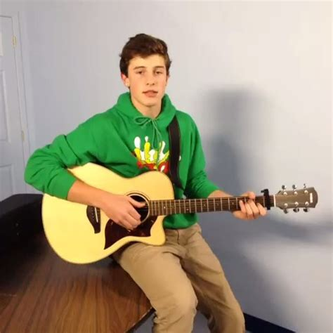 """watch shawn mendes's vine """"love me recorded by mr max jr"""""""