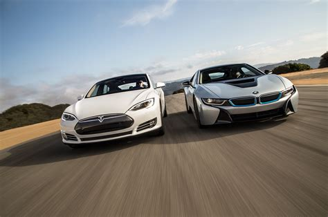 Bmw Tesla Bmw I8 Vs Tesla Model S Consumer Reports Review