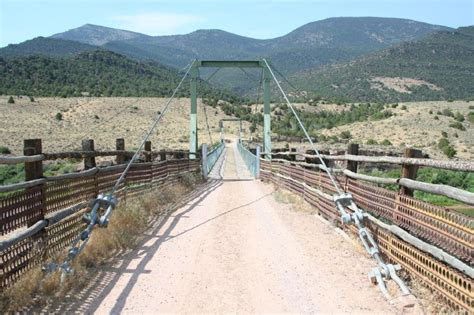 swinging bridge colorado bridgemeister browns park swinging bridge