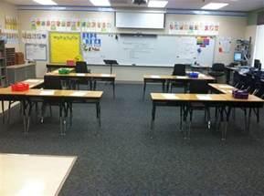 desk arrangement 1st grade - Classroom Desk Arrangements