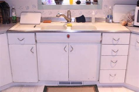 youngstown metal kitchen cabinets selling youngstown kitchen cabinets forum bob vila
