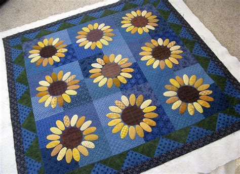 Sunflower Quilt Block Pattern by Green Quilts Wendy S Sunflower Quilt