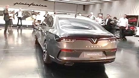 first vinfast cars to debut at paris motor show