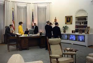 Oval Office Decor History by Link Of The Week Wikipedia S List Of Oval Office Desks