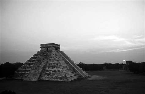 imagenes de quetzalcoatl blanco y negro viaja en blanco y negro al m 233 xico antiguo animal pol 237 tico