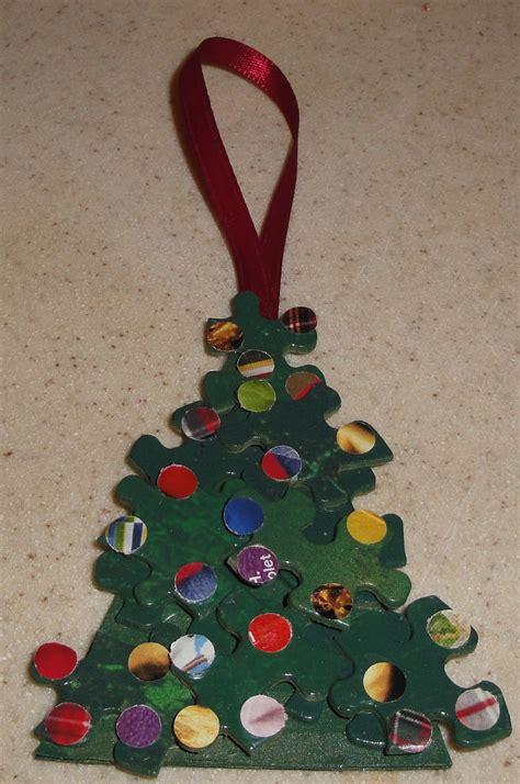 create  fun  easy christmas tree ornament