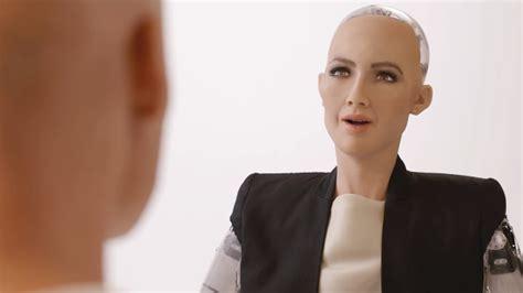 elon musk on sophia saudi arabia s first robot citizen sparks twitter war