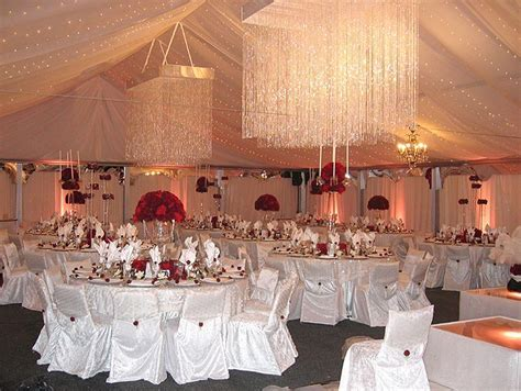 Decorating your Wedding Tent Cool, Beautiful, And