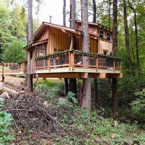treehouses christmas photo tour appalachian treehouse nelson treehouse