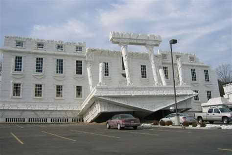 upside down house wisconsin dells 5 best interesting and fun things to do in wisconsin