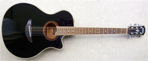 Gitar Akustik bum traveller gitar akustik yamaha atau cort
