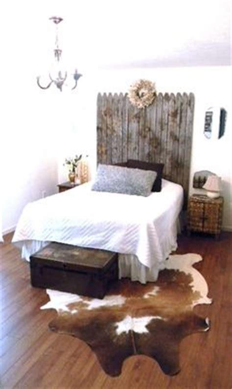 cowhide rug in bedroom 1000 ideas about cowhide rugs on rug size