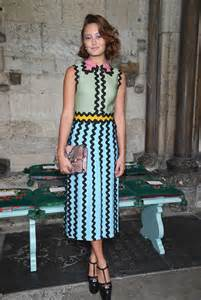 is brass coming back in style 2017 ella purnell gucci cruise 2017 fashion show 07 gotceleb
