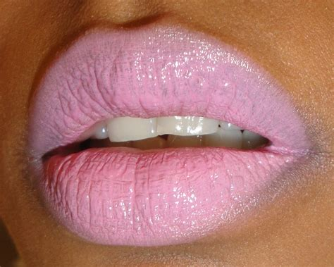 mac light pink lipstick the fancy face aerial cloud look