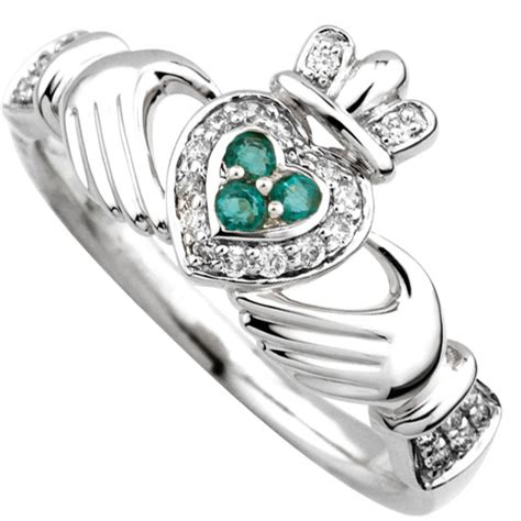 ring 14k gold with emerald claddagh ring