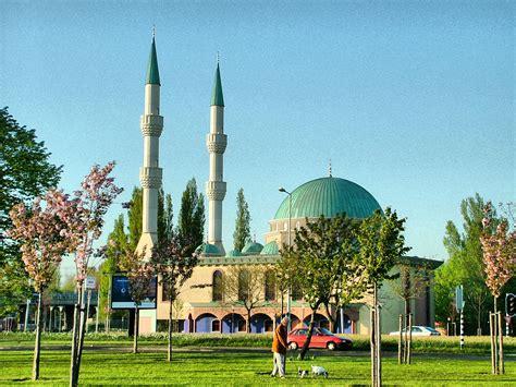Souvenir Amsterdam Eropa Souvenir Wisata Eropa Pajangan 16cm paket tour wisata muslim eropa 2014 konsorsium khatulistiwa tours