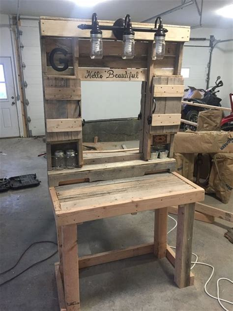 pallet makeup vanity built  pallet boards pallet