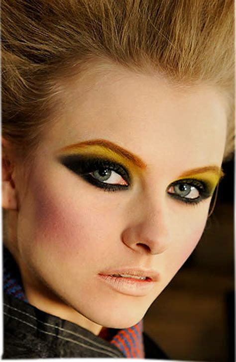 Lipstick Style 80s eye makeup www imgkid the image kid has it