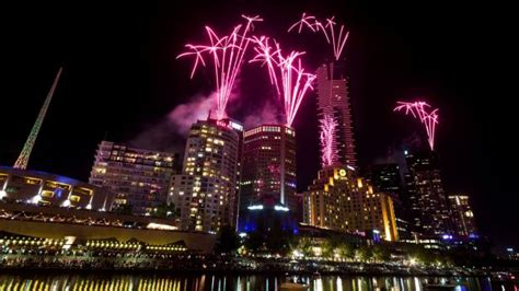 new year 2018 melbourne crown melbourne new year s 2014 fireworks