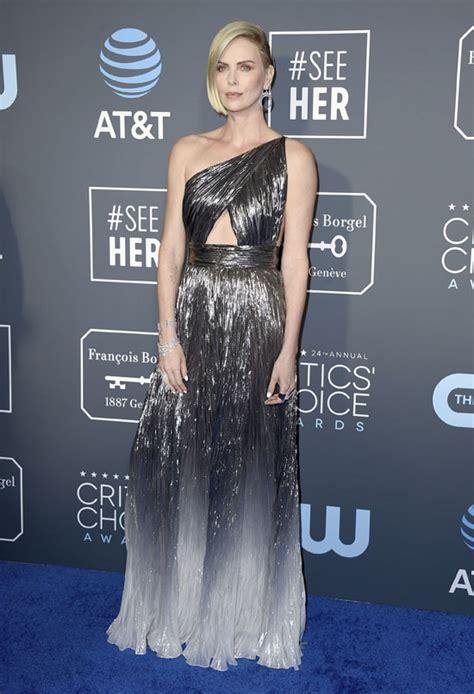 Charlize Theron Brilla En Los Critic S Choice Television Awards 2015 Critics Choice Awards 2019 Los Mejores Looks De La Alfombra Roja Foto