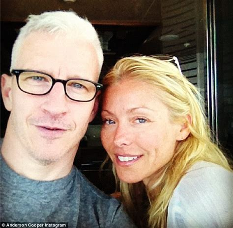 anderson cooper gets comforted by kelly ripa on vacation