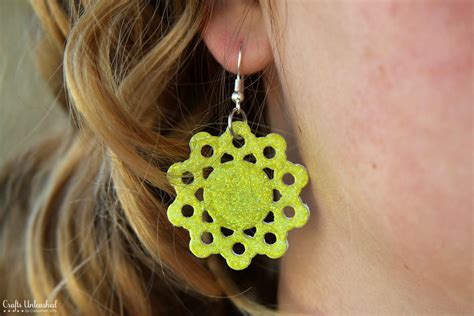 How To Make Crafts Out Of Paper - how to make diy earrings out of paper