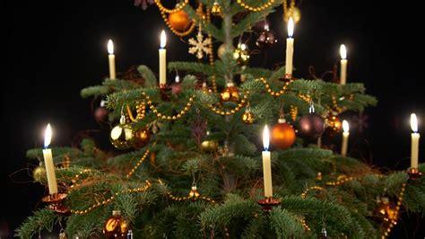 candele albero di natale illuminazione dell albero di natale candele di cera